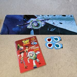 Toy story book w/ poster & 3D glasses